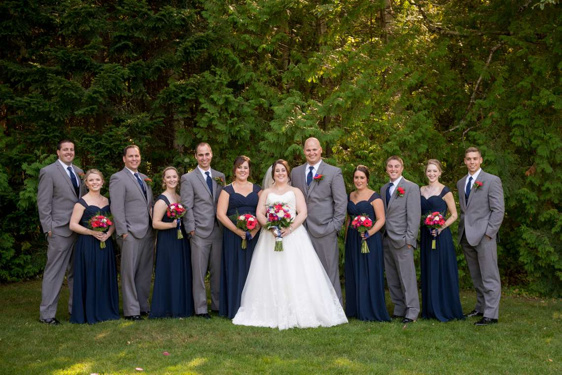 natural wedding party photos