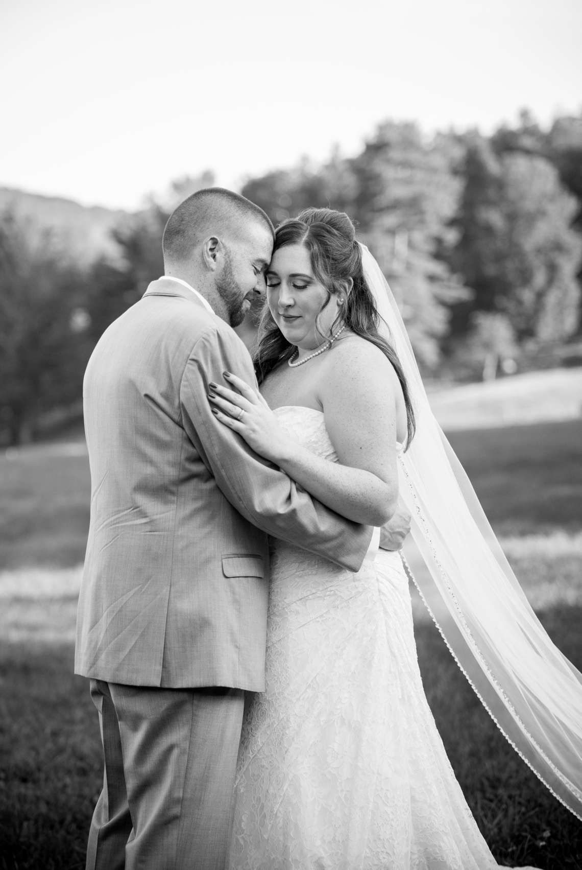 passionate wedding photos in New Hampshire